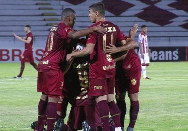 Vila Nova vence o Náutico, mas termina a rodada sem chance de acesso