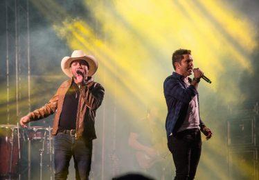 César & Alessandro e Rayan Barreto fazem shows gratuitos no Vera Cruz II