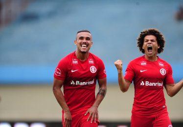 Internacional vence o Goiás por 2 a 0 no Serra Dourada