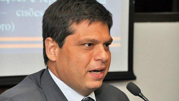 Gilmar Mendes permite que ex-procurador fique em silêncio na CPMI da JBS