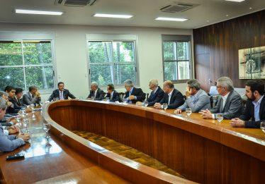 Governo de Goiás debate corte em benefícios fiscais