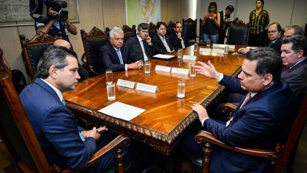 Marconi pede ao ministro dos Transportes melhorias nas rodovias federais que passam por Goiás