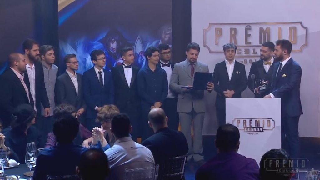 Team One ganha cinco troféus do Prêmio CBLOL