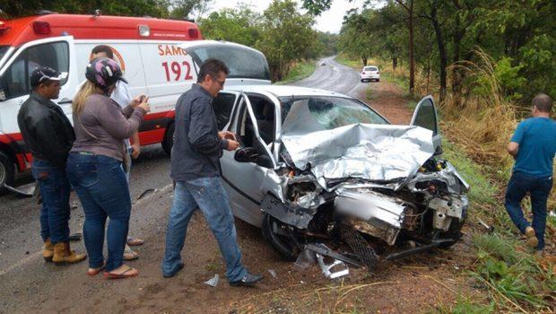 Casal morre em acidente na GO-326, próximo a Sanclerlandia