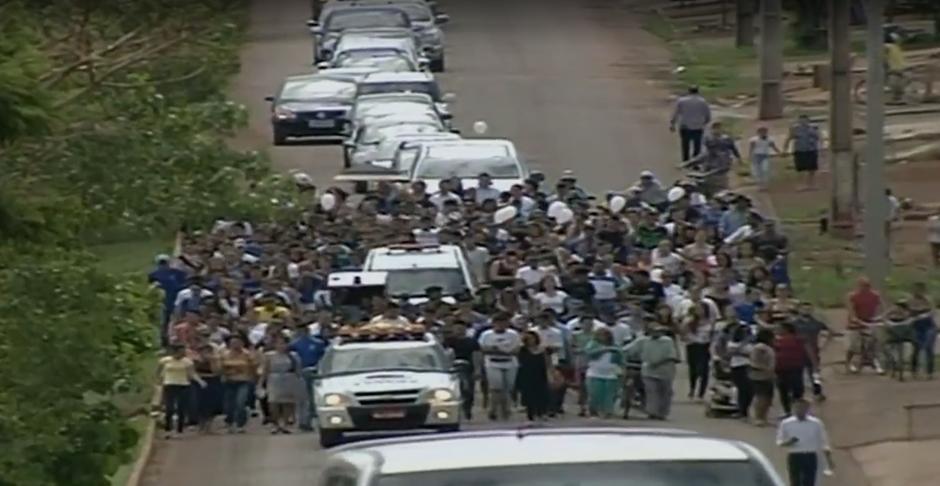 Corpo de adolescente morta em Alexânia é enterrado