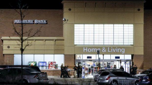 Tiroteio em loja Walmart nos Estados Unidos deixa três mortos