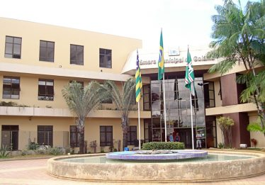 Ex-membros da Câmara Municipal de Goiânia são acionados por improbidade
