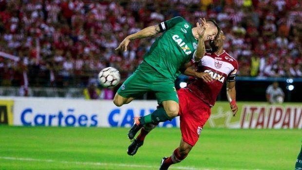 CRB vence Goiás e fica muito perto da permanência na Série B