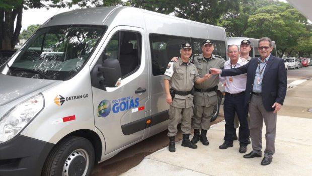 Detran-GO entrega novos veículos ao programa Balada Responsável
