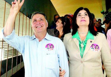 Ex-governadores do Rio Anthony Garotinho e Rosinha Garotinho são presos