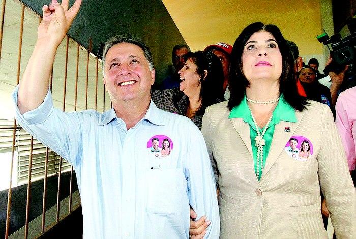 Anthony e Rosinha Garotinho são presos pela PF no Rio