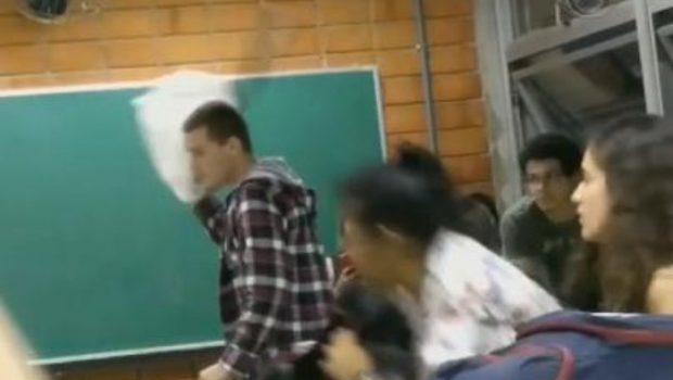 Estudante depreda prédio de universidade com taco de beisebol