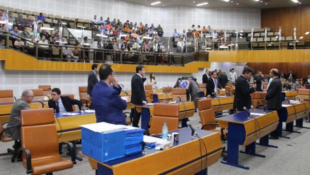 Plenário aprova inclusão de vários profissionais e serviços na cobrança de ISS