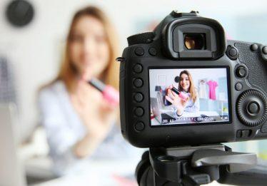 Editora da 'Vogue' cria curso para se tornar um influenciador digital