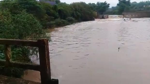 Vazão do Rio Meia Ponte aumenta com as primeiras chuvas em Goiânia