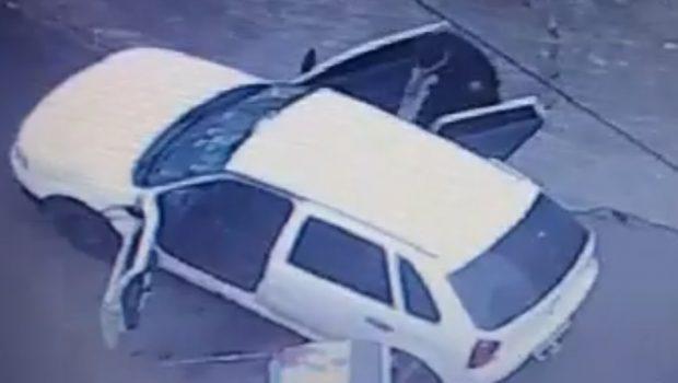 Vídeo mostra que policial militar entrou em veículo roubado e disparou contra para-brisa