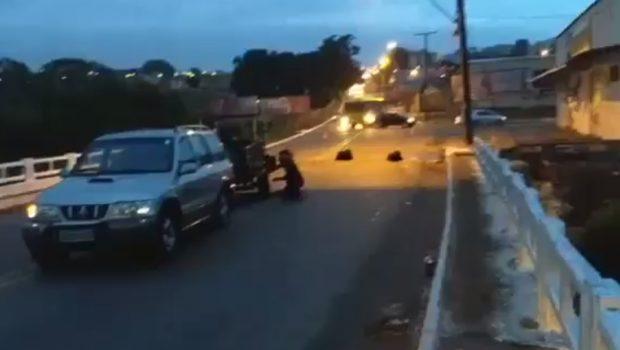 Ponte na Vila Perdiz é interditada após erosão provocar acidentes