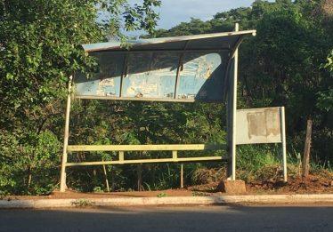 """Câmara Municipal de Goiânia aprecia criação de programa """"Adote um Ponto de ônibus"""""""