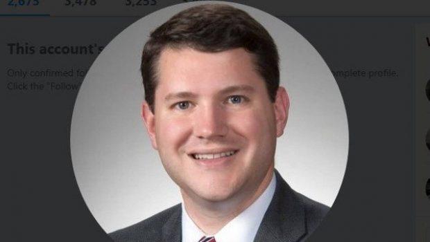Nos EUA, deputado anti-LGBT renuncia após flagra de sexo com homem no gabinete