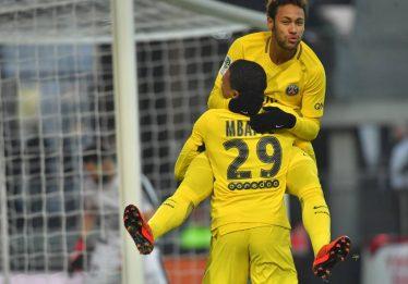 Neymar volta com dois gols e duas assistências na vitória do PSG