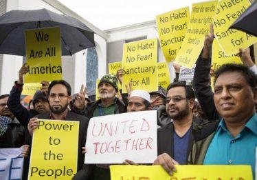 Juiz suspende parcialmente proibição de entrada de refugiados nos EUA