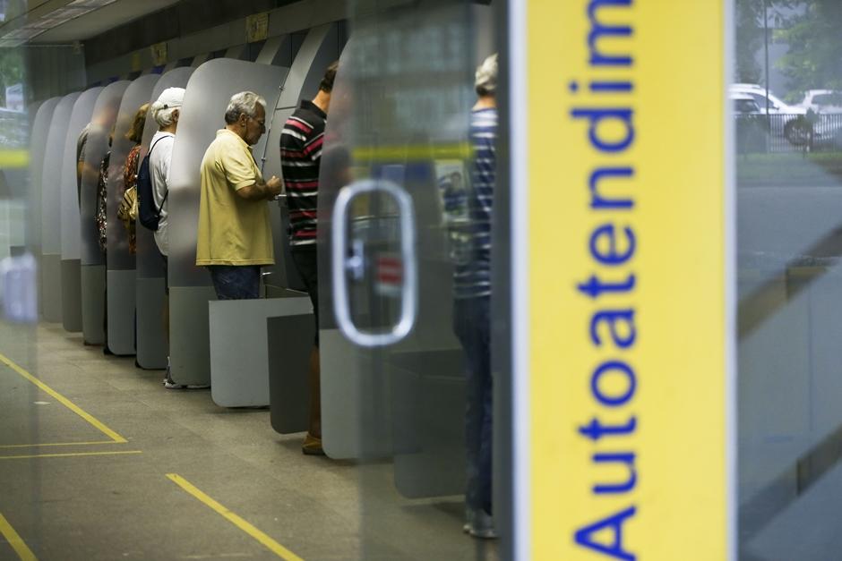 Identificação biométrica antes da utilização de caixas eletrônicos pode ser obrigatória em Goiânia