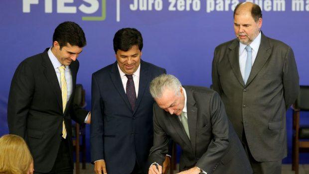Governo lança Novo Fies, com 310 mil vagas