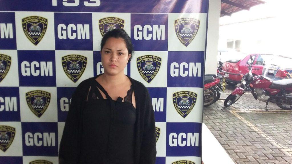 Colombiana é presa por simular arrastão e criar tumulto na Rua 44, em Goiânia