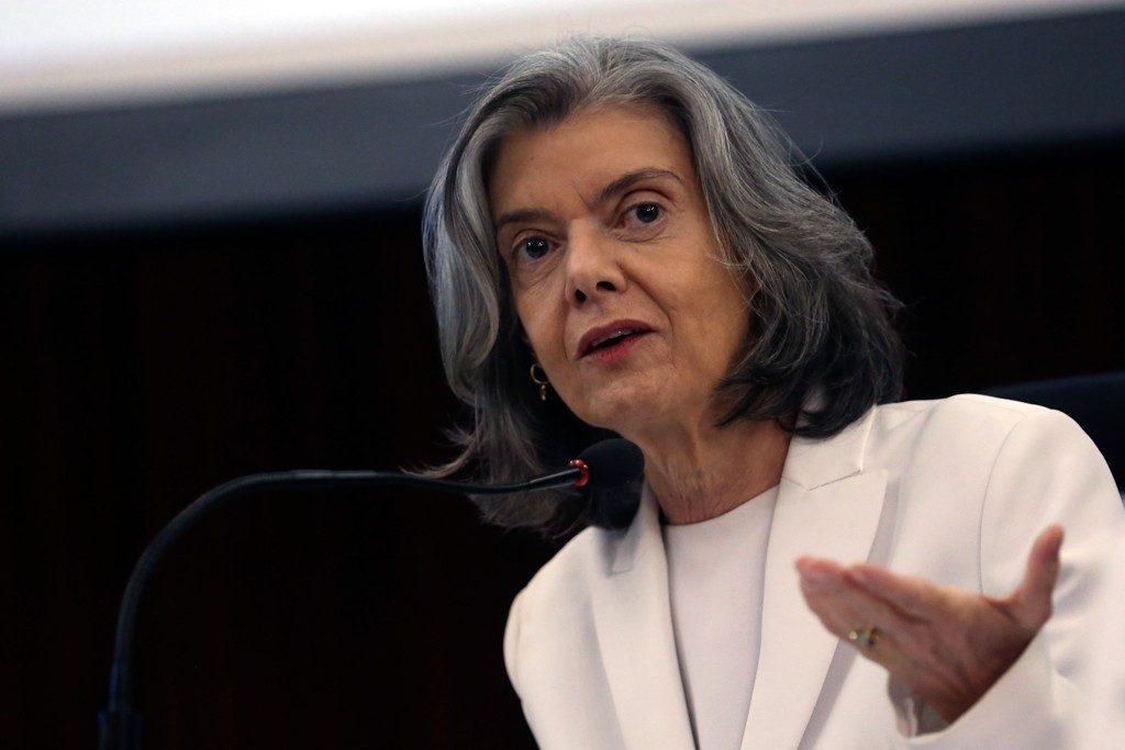 Ministra Cármen Lúcia reafirma que não pautará julgamento sobre prisão após segunda instância