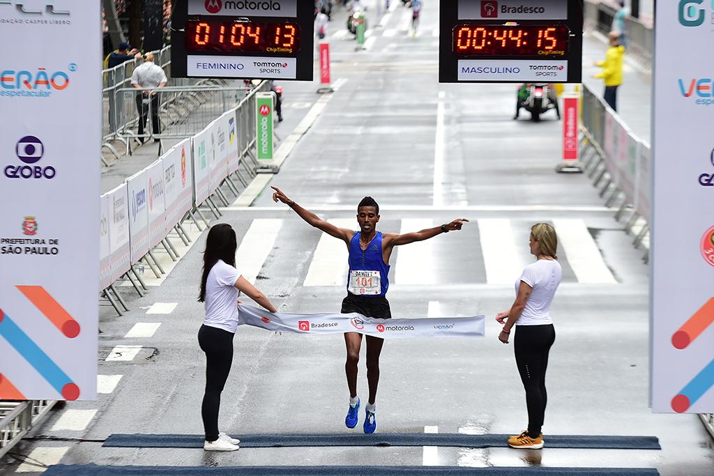 Dawit Admasu conquista bicampeonato da São Silvestre