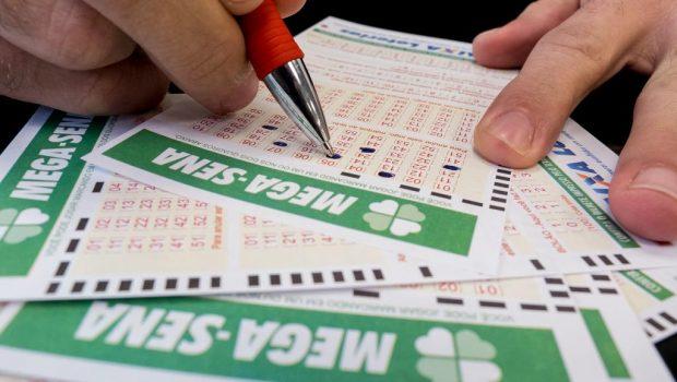 Ninguém acerta os números da Mega-Sena e prêmio acumula em R$ 40 milhões