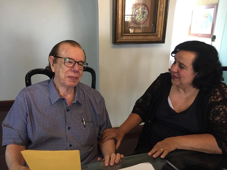Moradores pioneiros de Goiânia contam história no livro Alameda dos Buritis
