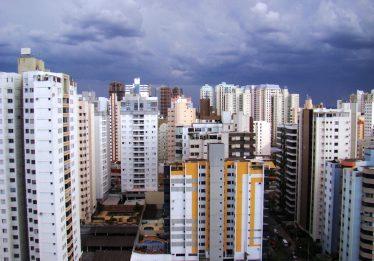 Justiça suspende lei que interrompe atualização de valores de imóveis