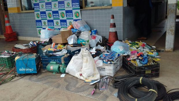 Homem é preso por receptação de diversos produtos, em Goiânia