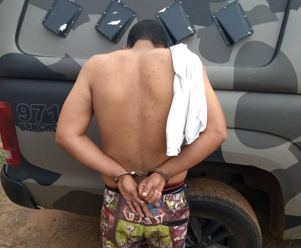 Homem é preso por tráfico de drogas e por manter uma menor em cárcere privado, em Goiânia