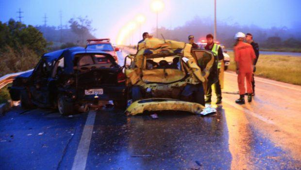 Acidente entre 8 veículos mata um na BR-020, no Distrito Federal