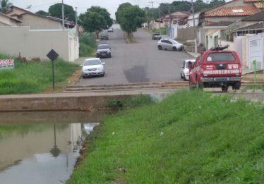 Adolescente sobrevive após ficar 10 minutos submerso em represa, em Catalão