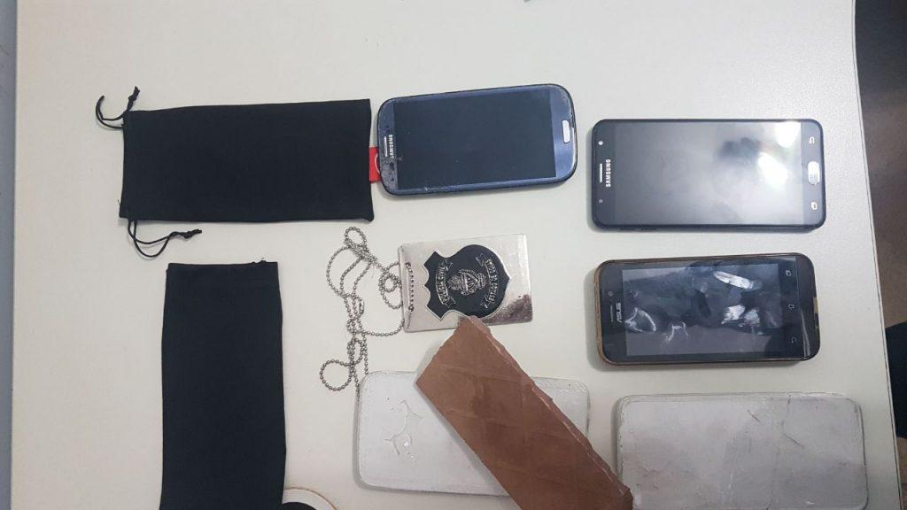 Dupla que vendia celulares de gesso é presa, em Valparaíso