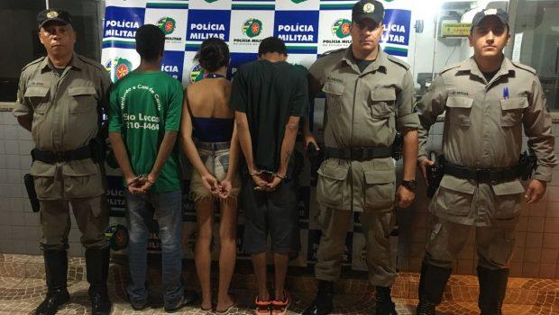 Dupla é presa e menor apreendida por tráfico de drogas, em Goiânia