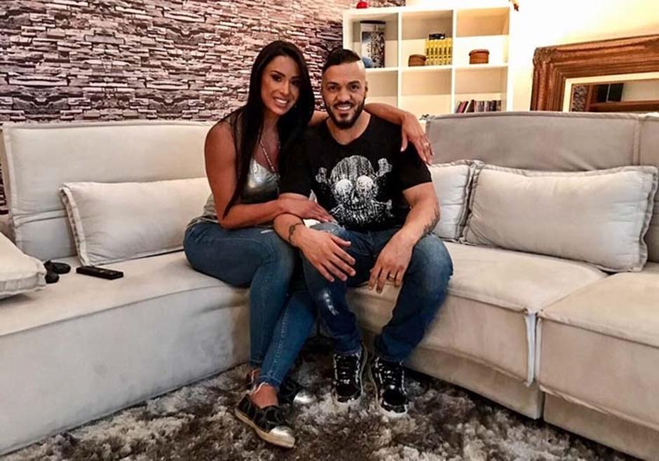Após dívidas com aluguel, Belo e Gracyanne deixam mansão em São Paulo