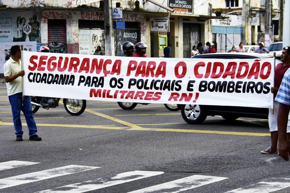 Desembargador do RN determina prisão de policiais que apoiarem greve