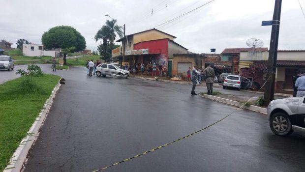 Mulher é arremessada para fora de carro e morre em acidente, motorista foi preso
