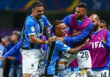 Grêmio sofre, mas vence Pachuca na prorrogação e vai à final do Mundial