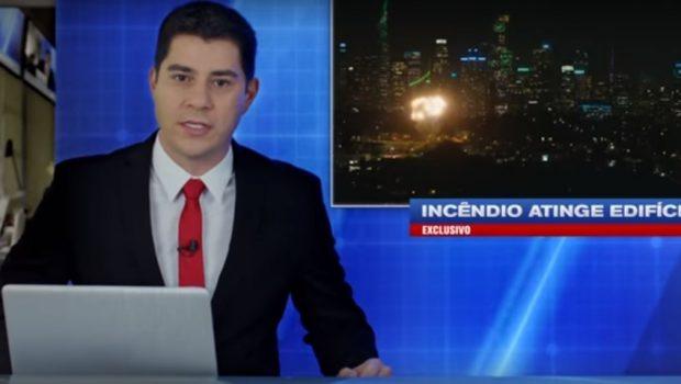 Evaristo Costa reaparece em bancada de telejornal em novo vídeo da Netflix