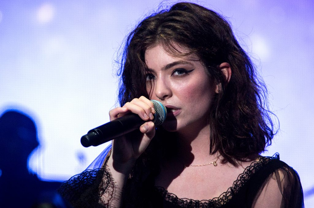 Lorde cancela show em Tel Aviv após pedidos em protestos políticos