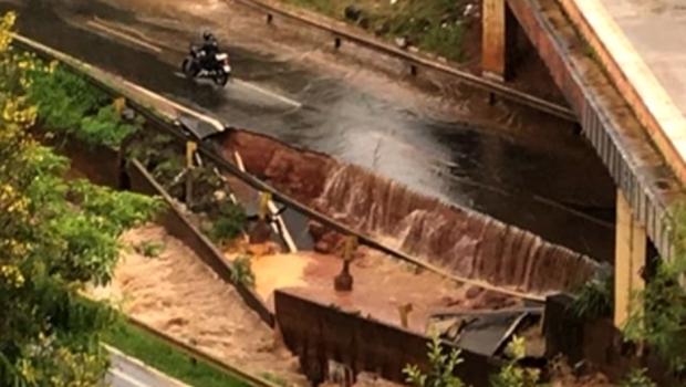 Marginal Botafogo está interditada nos dois sentidos