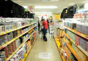 Fabricantes estimam que material escolar ficará 10% mais caro em janeiro
