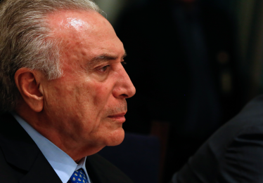 Temer recebe alta de hospital em São Paulo e volta a Brasília