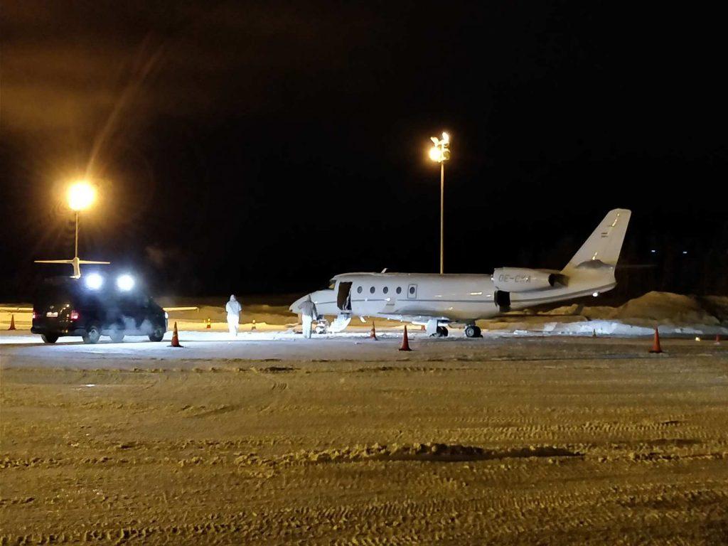 Piloto de jato privado morre após porta de aeronave cair em cima dele