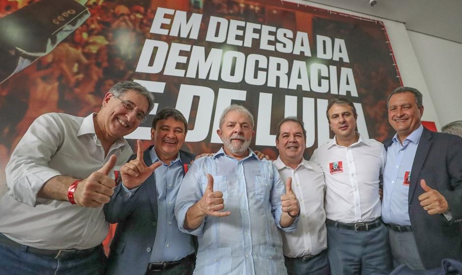 Lula confirma pré-candidatura mesmo com fato 'indesejável'